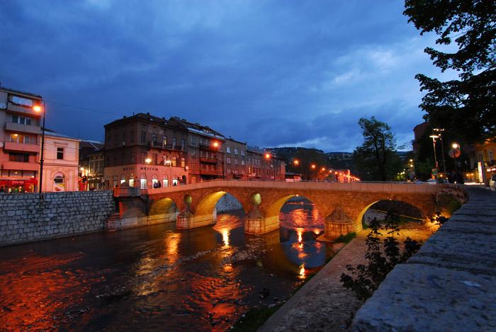Miljacka i Latinska Ćuprija u Sarajevu