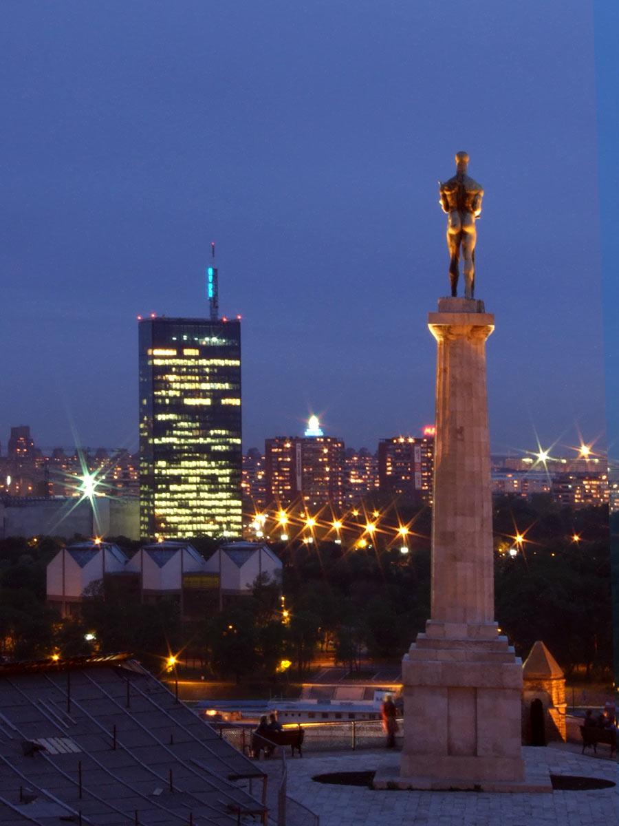 Beograd noću