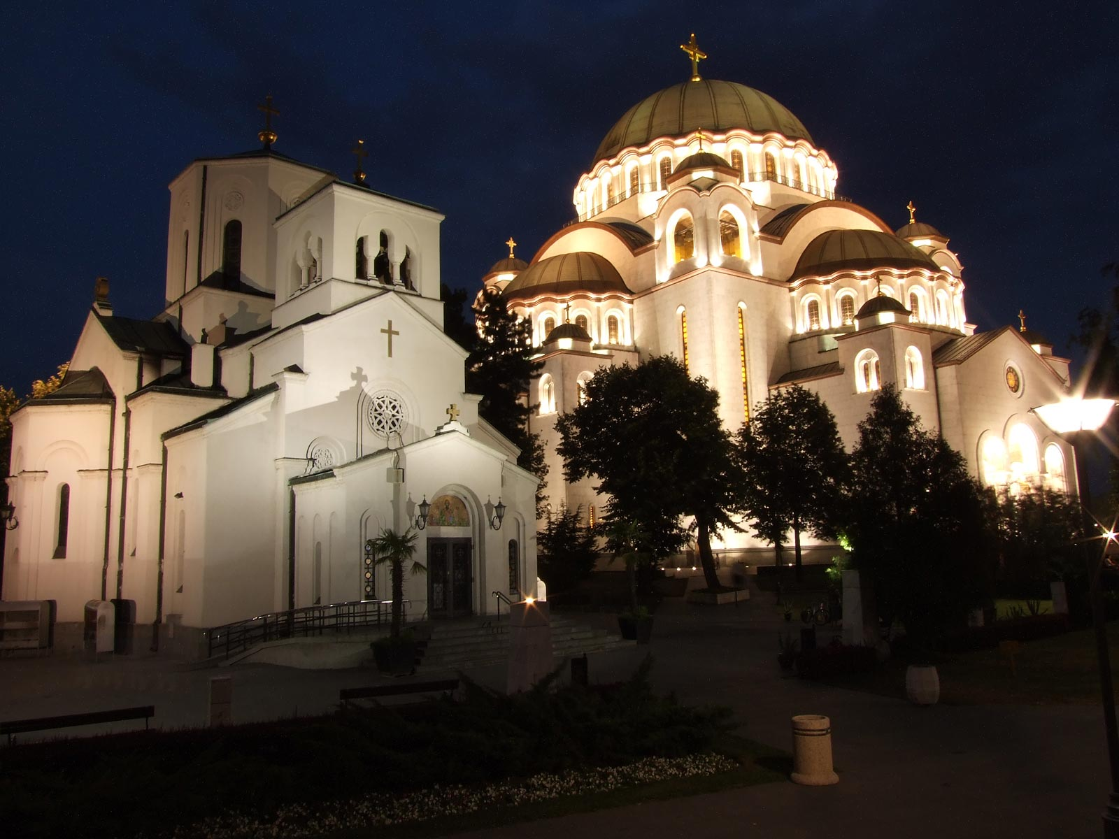Crkva pored Hrama Svetog Save