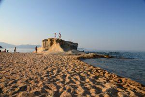 Kamen na Kakudija plaži pored Jerisosa