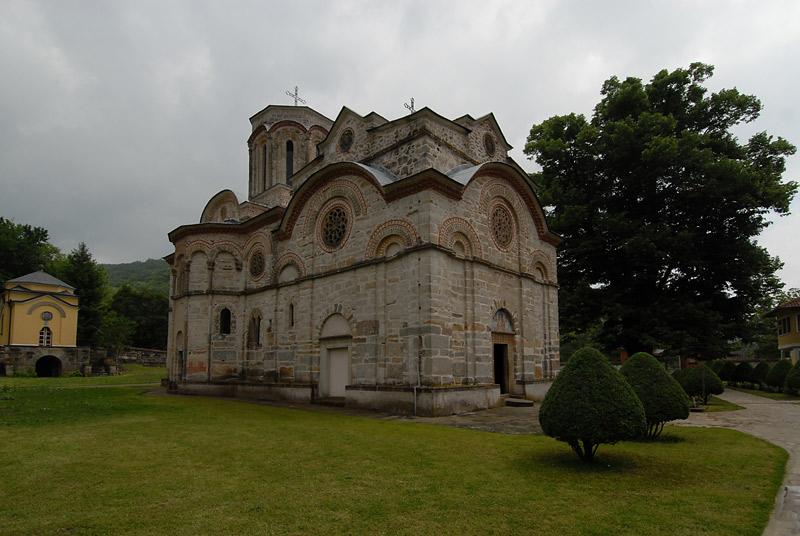 Nebo nad crkvom