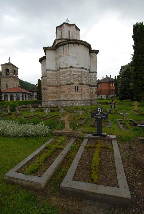 Groblje iza crkve
