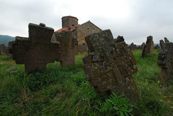 Pravoslavno groblje pored crkve