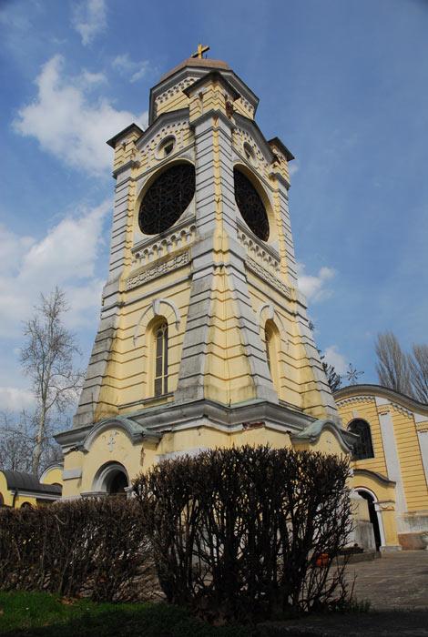 Kameni zovnik sa svojom upečatljivom arhitekturom