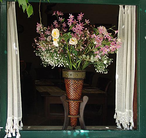 Cveće na balkonu na Krfskoj terasi