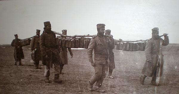 Ručak srpskih vojnika