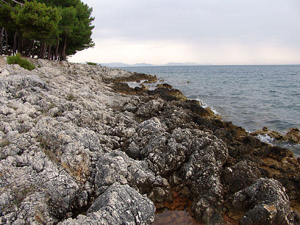 Obala Plave Grobnice na Krfu u Grckoj